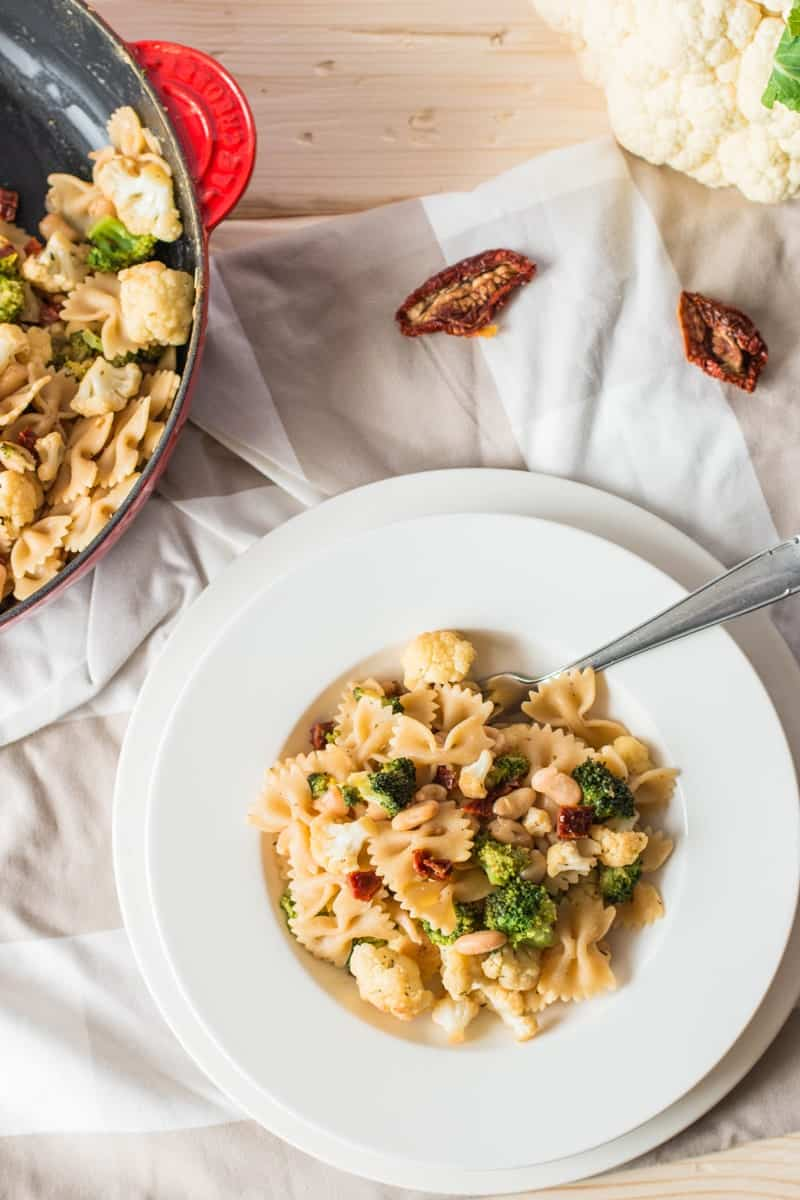 Pasta with Broccoli and Cauliflower {low fat & vegan} | savorynothings.com