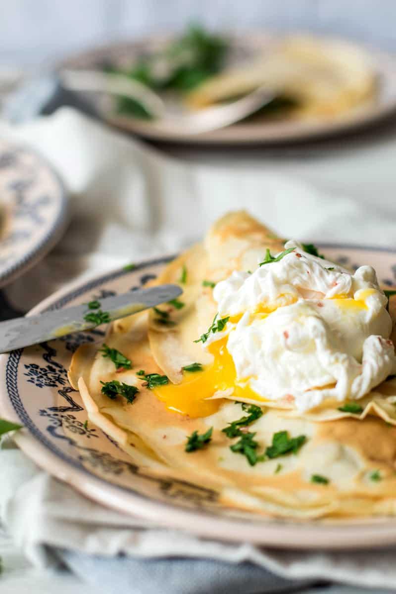 Mushroom Crêpes with Poached Eggs | savorynothings.com