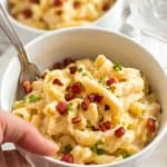 Quick Stovetop Apple Bacon Mac and Cheese - A quick and easy weeknight dinner you can make in one pot! On the table in less than 30 minutes!