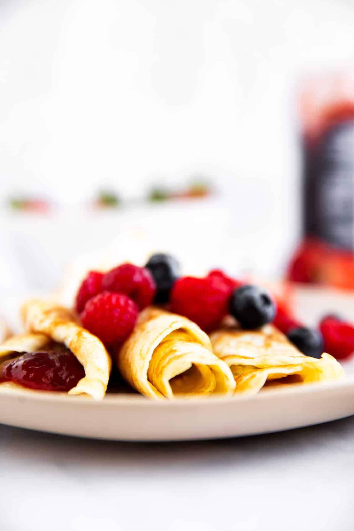 frontal view of rolled up crepes
