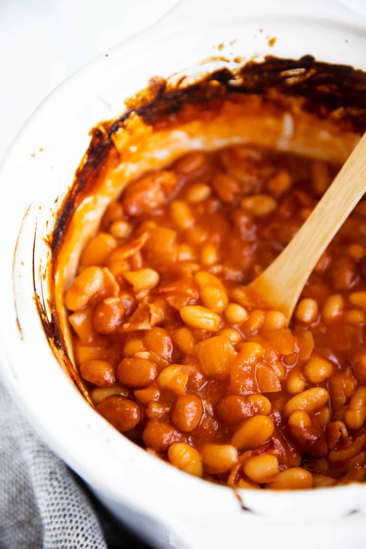 crock with baked beans
