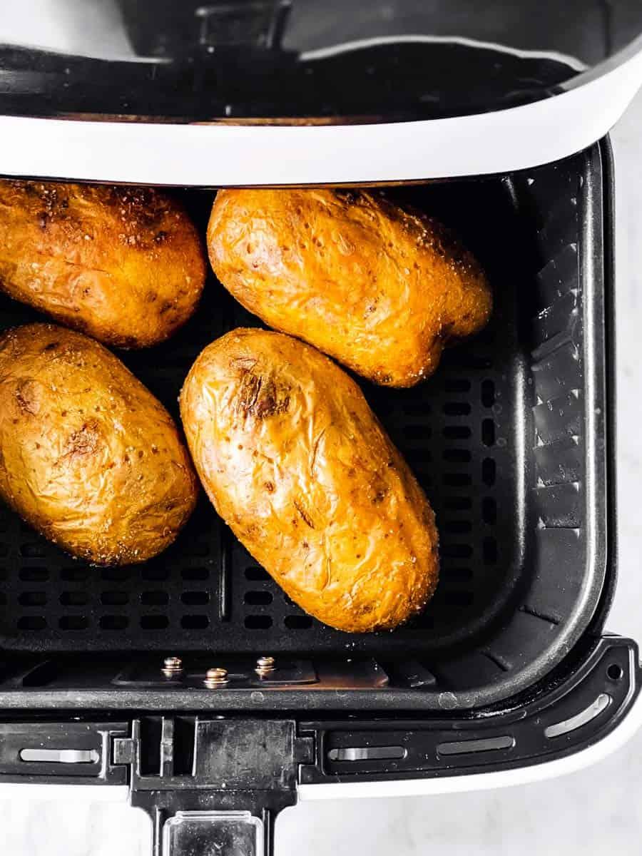 baked potatoes in air fryer basket
