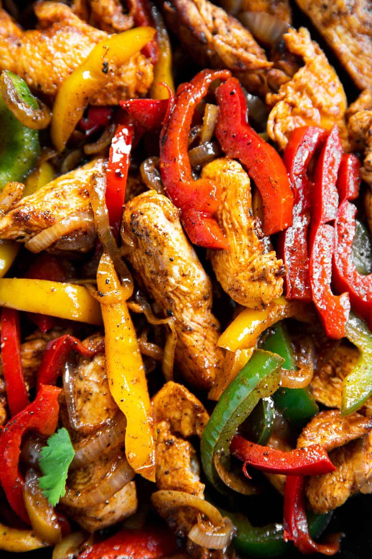 close up photo of chicken fajita filling