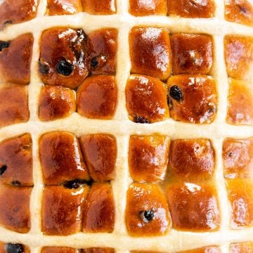overhead close up of baked hot cross buns